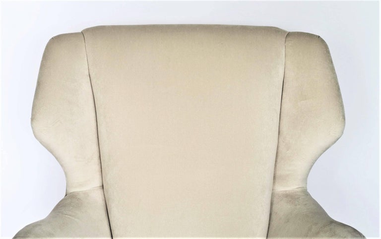 Pair of 1950s Italian Lounge Chairs in the Style of Ico Parisi in Velvet For Sale 1