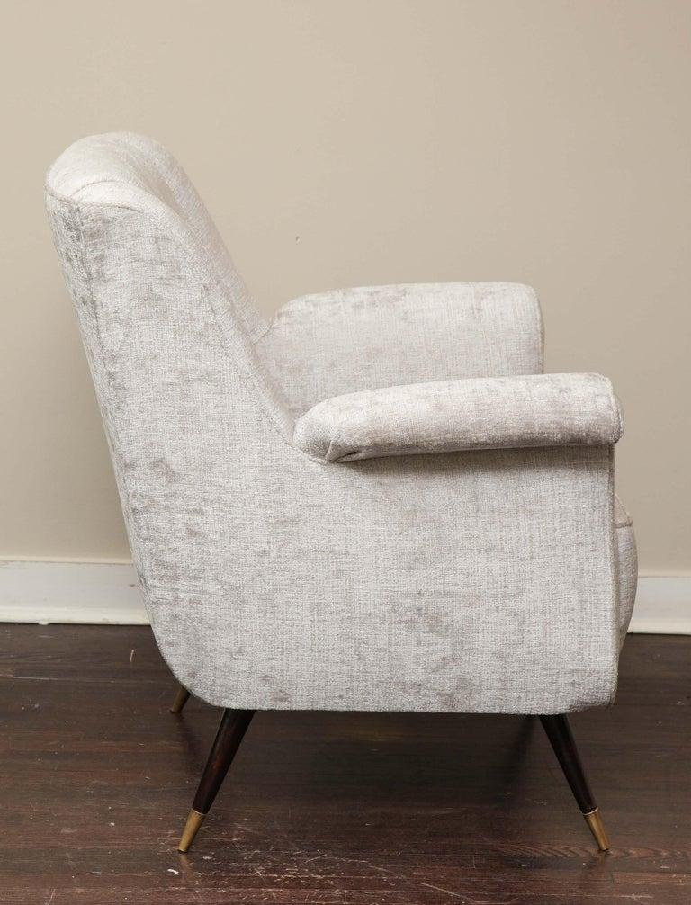 Pair of 1950s Italian Petite Rolled Armchairs in Platinum Velvet For Sale 4