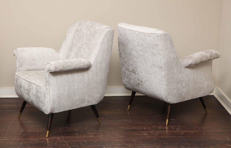 Pair of 1950s Italian Petite Rolled Armchairs in Platinum Velvet In Excellent Condition For Sale In New York, NY