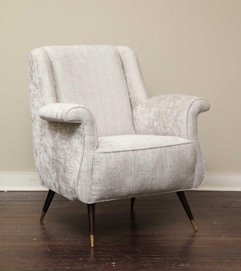 Pair of 1950s Italian Petite Rolled Armchairs in Platinum Velvet For Sale 3