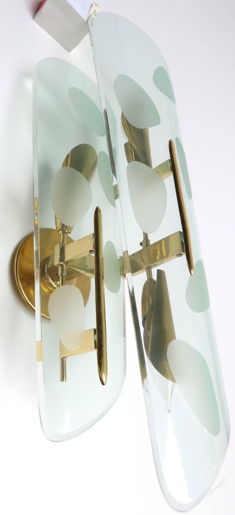 Mid-Century Modern Pair of 1950s Italian Sconces with Etched Glass and Brass Frames For Sale