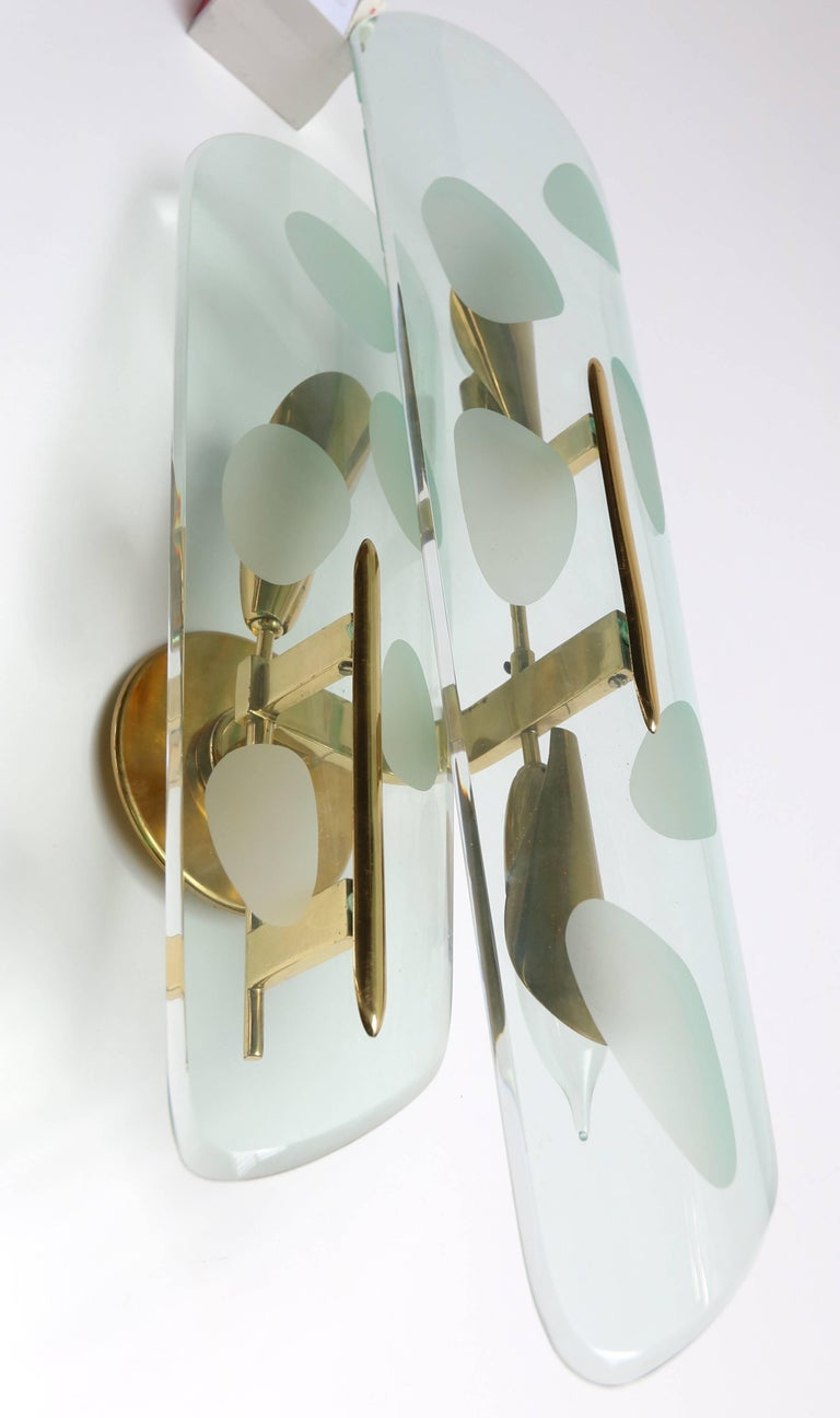Pair of 1950s Italian Sconces with Etched Glass and Brass Frames In Good Condition For Sale In Los Angeles, CA