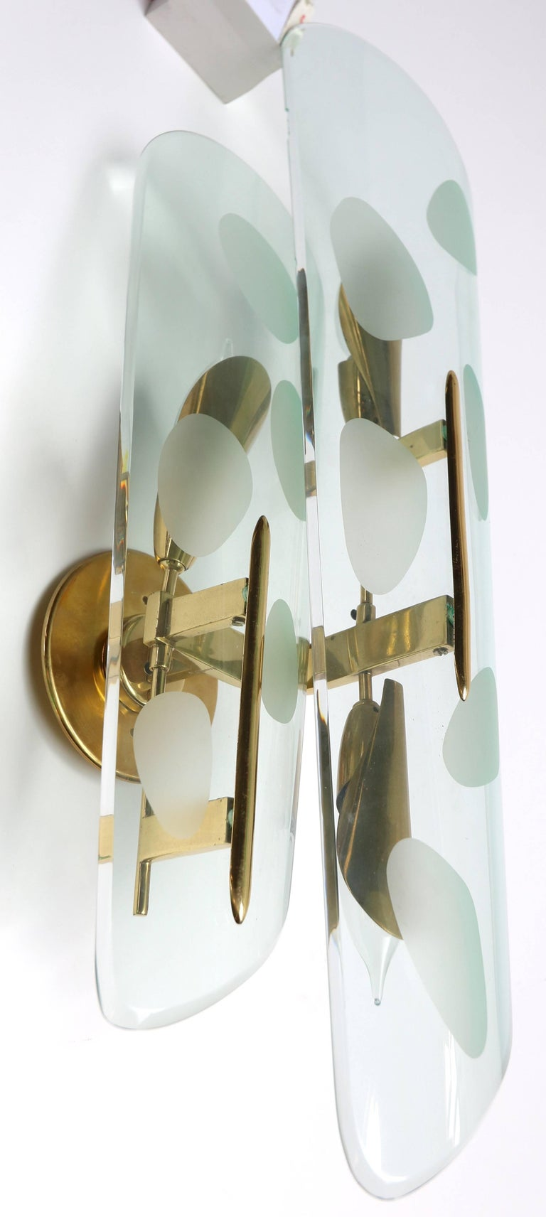 Mid-20th Century Pair of 1950s Italian Sconces with Etched Glass and Brass Frames For Sale