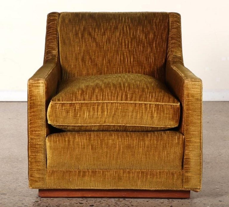 Mid-Century Modern Pair of 1950s Mohair Lounge Chairs For Sale