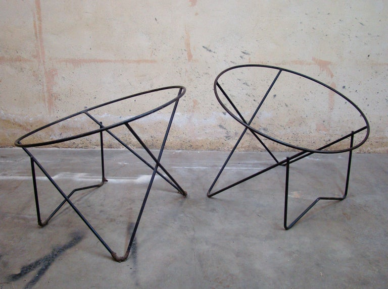 American Pair of 1950s Outdoor Steel Hoop Poolside Lounge Chairs/ Paperclip Front Legs For Sale