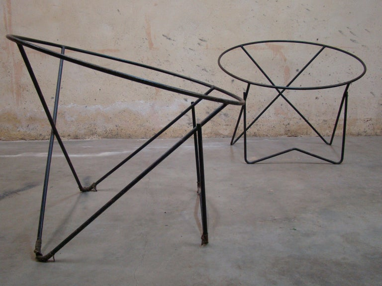 20th Century Pair of 1950s Outdoor Steel Hoop Poolside Lounge Chairs/ Paperclip Front Legs For Sale