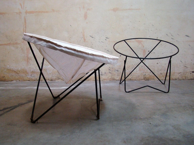 Pair of 1950s Outdoor Steel Hoop Poolside Lounge Chairs/ Paperclip Front Legs For Sale 2