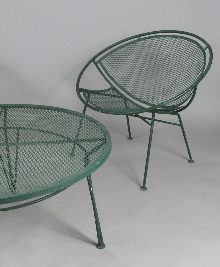 Mid-Century Modern Pair of 1950s Radar Lounge Chairs and Coffee Table by Salterini For Sale