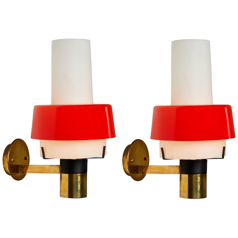 Pair of 1950s Stilnovo Model 2079/1 Brass and Glass Sconces with Original Labels For Sale