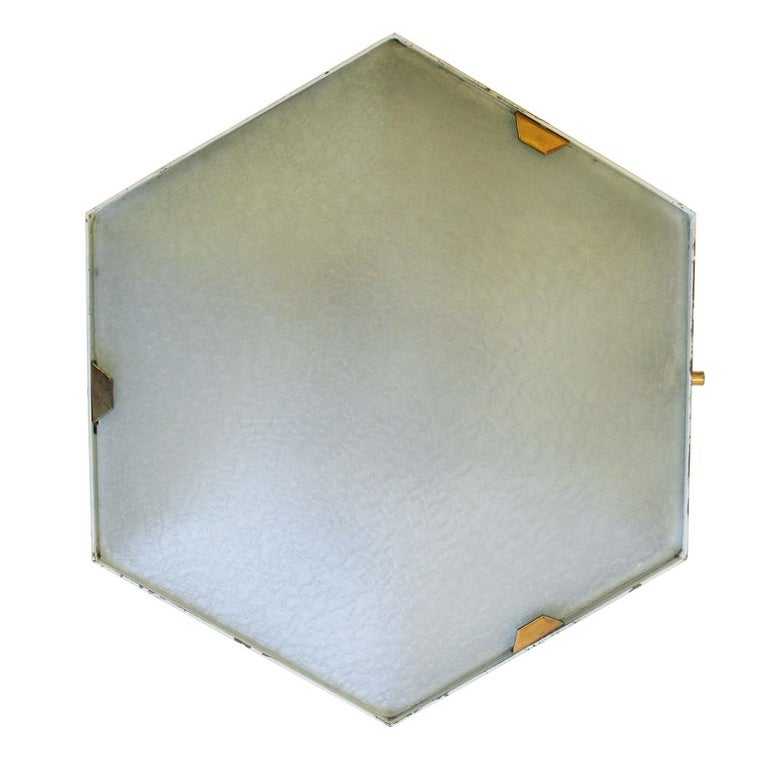 Mid-Century Modern Pair of 1950s Wall Lights in Hexagonal Shape Brass White Lacquer by Stilnovo For Sale