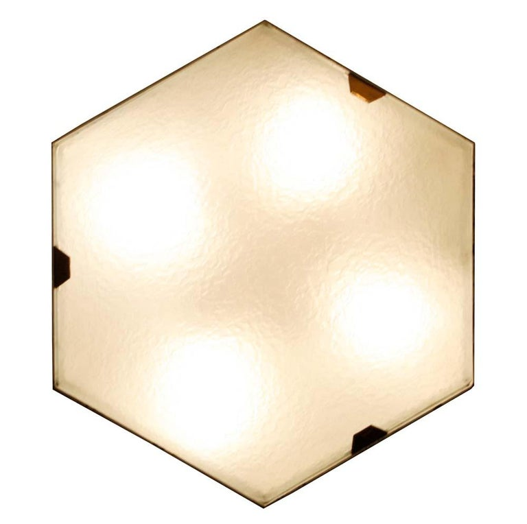 Pair of 1950s Wall Lights in Hexagonal Shape Brass White Lacquer by Stilnovo For Sale 2