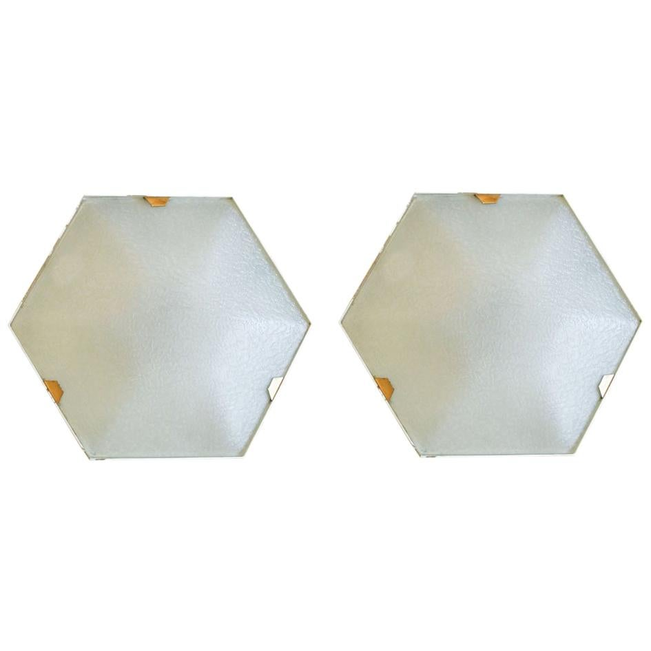 Pair of 1950s Wall Lights in Hexagonal Shape Brass White Lacquer by Stilnovo