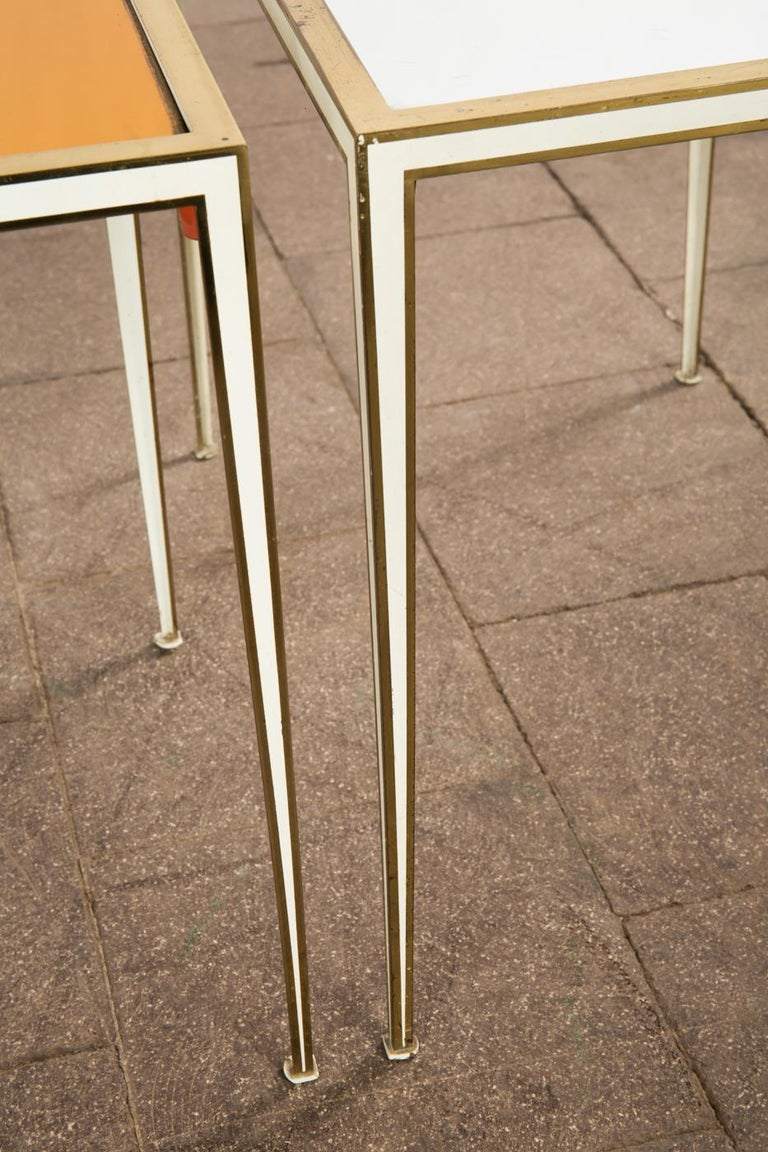 Pair of Mid-Century side tables with Mirror Glass tops by Vereinigte Werkstätten For Sale 3