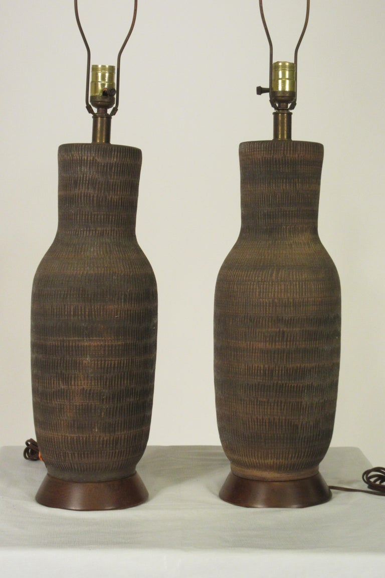 Pair of 1960s Ceramic Textured Table Lamps In Good Condition For Sale In Tarrytown, NY