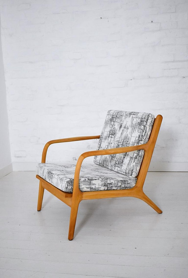 Mid-Century Modern Pair of 1960s Easy Chairs in Style of Adrian Pearsall For Sale