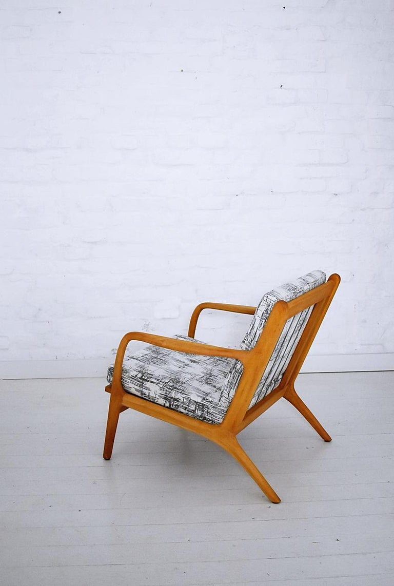 Pair of 1960s Easy Chairs in Style of Adrian Pearsall In Good Condition For Sale In Debrecen-Pallag, HU