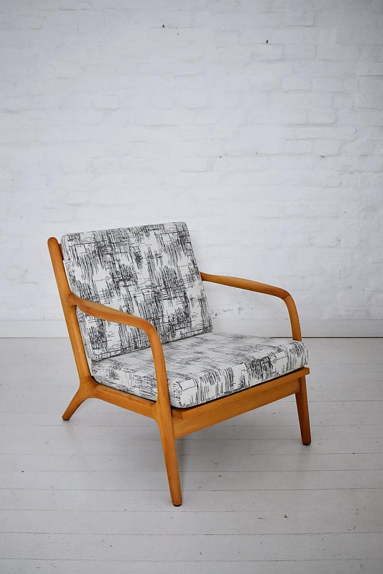 Pair of 1960s Easy Chairs in Style of Adrian Pearsall For Sale 2