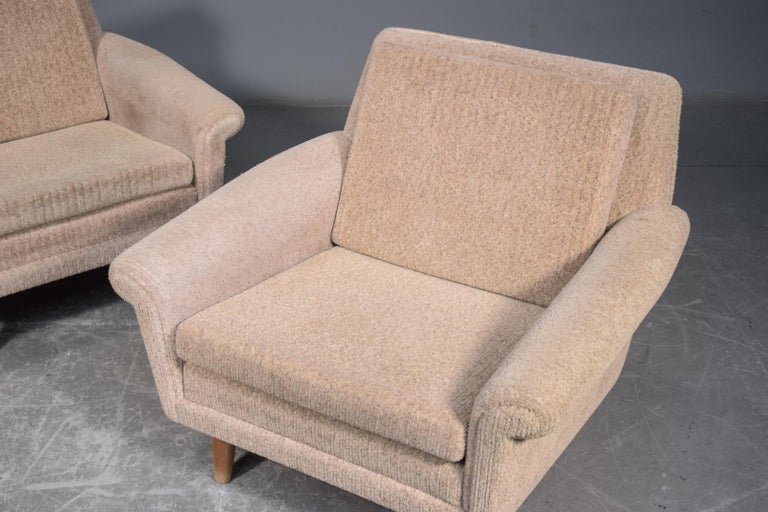 Pair of 1960s Easy Lounge Chairs Model Diplomat by Aage Christiansen for ERAN In Good Condition For Sale In Bridgeport, CT