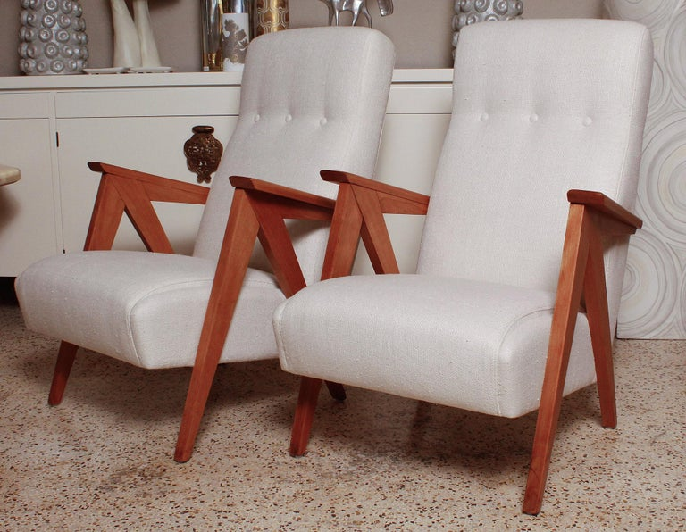 Mid-Century Modern Pair of 1960s Italian Beechwood Compass Lounge Chairs For Sale