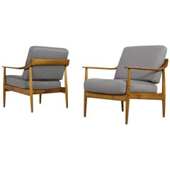 Pair of 1960s Knoll Easy Chairs, Lounge Chairs, Beechwood, Germany