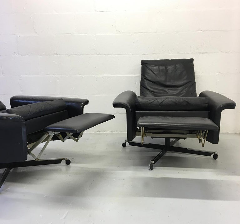 Mid-20th Century Pair of 1960s Mid-Century Modern Black Leather Reclining Lay-Z-Boy Lounge Chairs For Sale