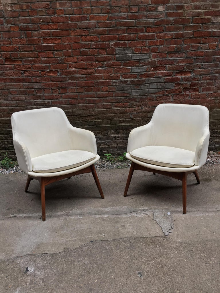 Pair of 1960s Modernist Armchairs In Good Condition For Sale In Garnerville, NY