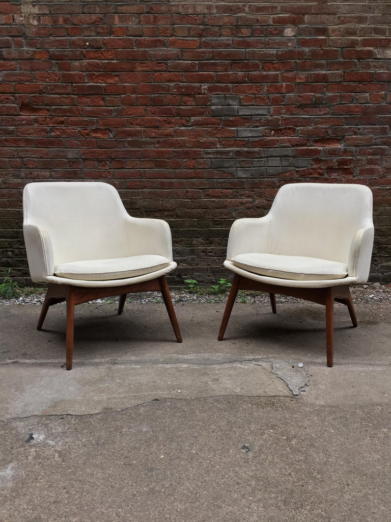 Mid-20th Century Pair of 1960s Modernist Armchairs For Sale