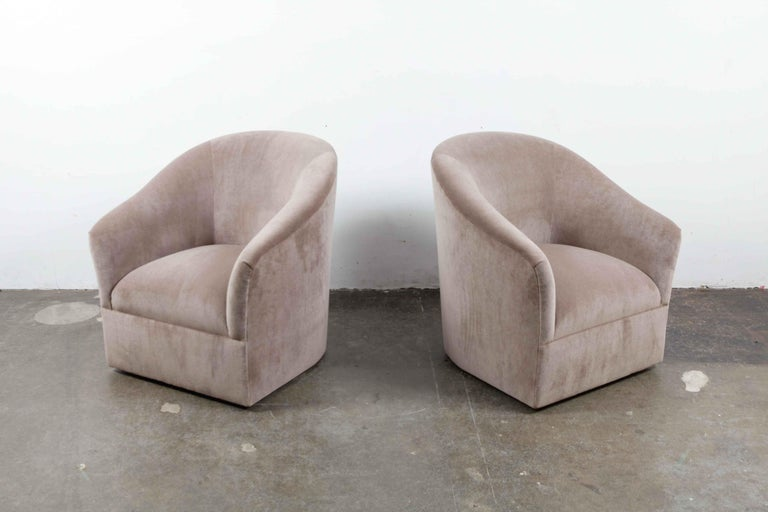 Mid-Century Modern Pair of 1960s Swivel Chairs Newly Upholstered in Mohair For Sale