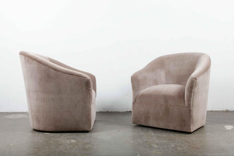 Pair of 1960s Swivel Chairs Newly Upholstered in Mohair For Sale 3