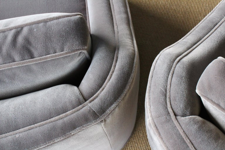 Pair of 1960s Swivel Club Chairs For Sale 5
