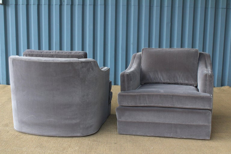 Mid-Century Modern Pair of 1960s Swivel Club Chairs For Sale