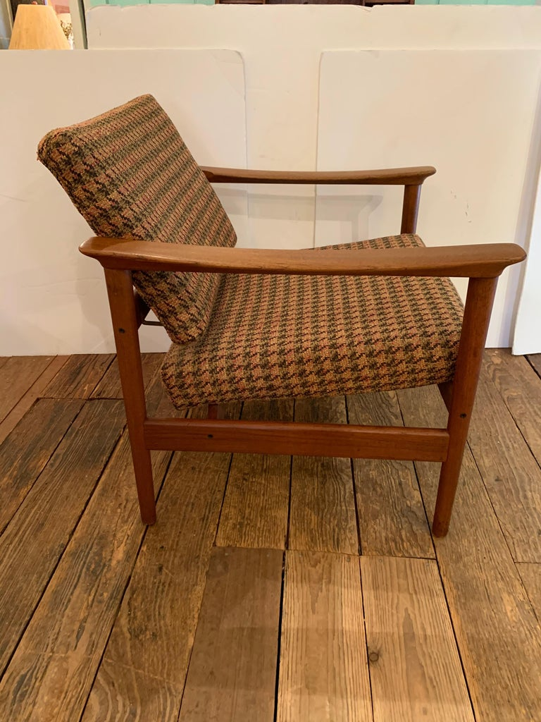 Pair of 1960s Teak Lounge Club Chairs In Excellent Condition For Sale In Hopewell, NJ