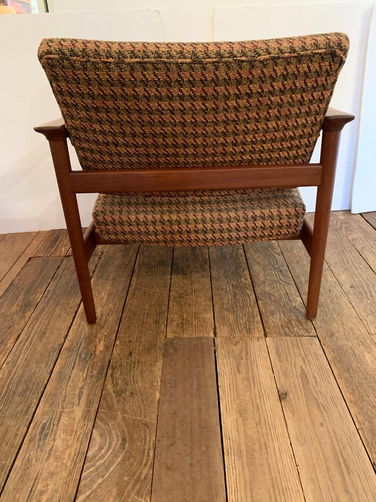 Pair of 1960s Teak Lounge Club Chairs For Sale 1