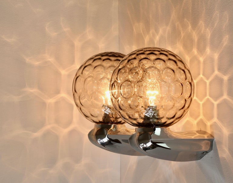 Pair of 1970s Art Deco Style Vintage Bubble Glass Wall Lights or Vanity Sconces For Sale 2