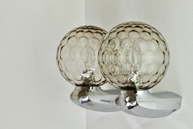 Pair of 1970s Art Deco Style Vintage Bubble Glass Wall Lights or Vanity Sconces For Sale 4