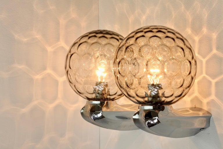 Pair of 1970s Art Deco Style Vintage Bubble Glass Wall Lights or Vanity Sconces For Sale 5