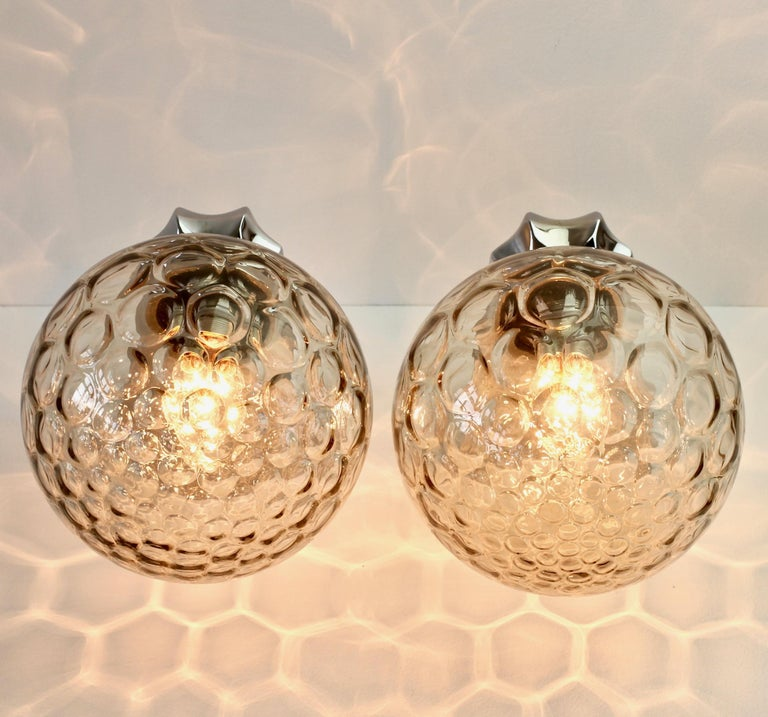 Pair of 1970s Art Deco Style Vintage Bubble Glass Wall Lights or Vanity Sconces For Sale 7