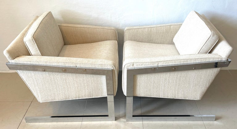 Mid-Century Modern Pair of 1970s Chrome Cantilever Club Chairs, Newly Upholstered For Sale