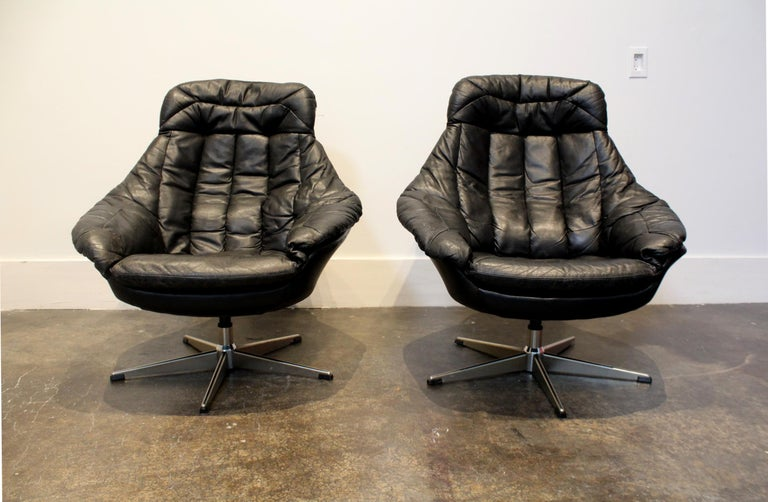 Mid-Century Modern Pair of 1970s Danish Leather Lounge Chairs and Ottoman by H.W. Klein for Bramin For Sale