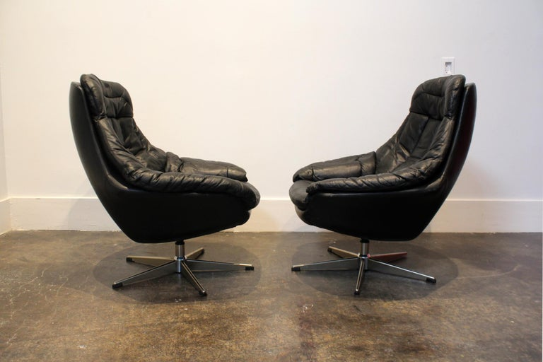Pair of 1970s Danish Leather Lounge Chairs and Ottoman by H.W. Klein for Bramin In Good Condition For Sale In Dallas, TX