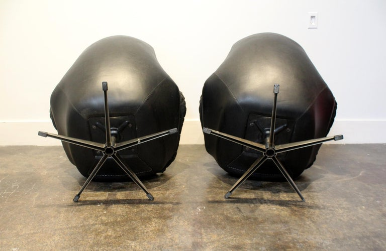 Pair of 1970s Danish Leather Lounge Chairs and Ottoman by H.W. Klein for Bramin For Sale 3