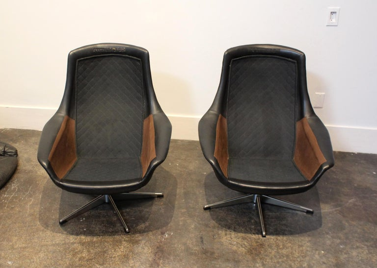 Pair of 1970s Danish Leather Lounge Chairs and Ottoman by H.W. Klein for Bramin For Sale 4