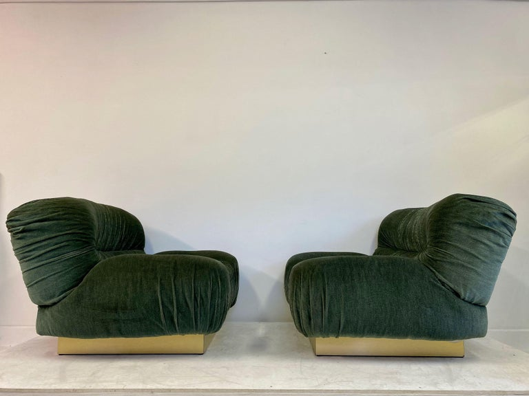 Pair of 1970s Italian Green Velvet and Brass Lounge Chairs In Fair Condition For Sale In London, London