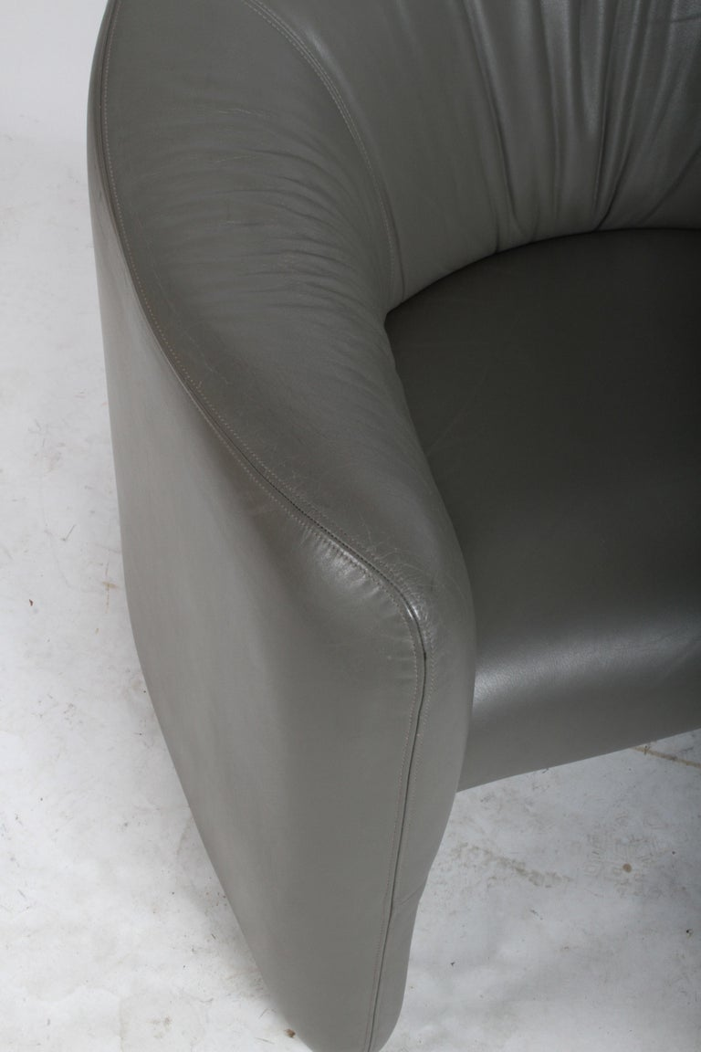 Pair of 1970s Metropolitan Furniture Company Leather Lounge Chairs For Sale 5