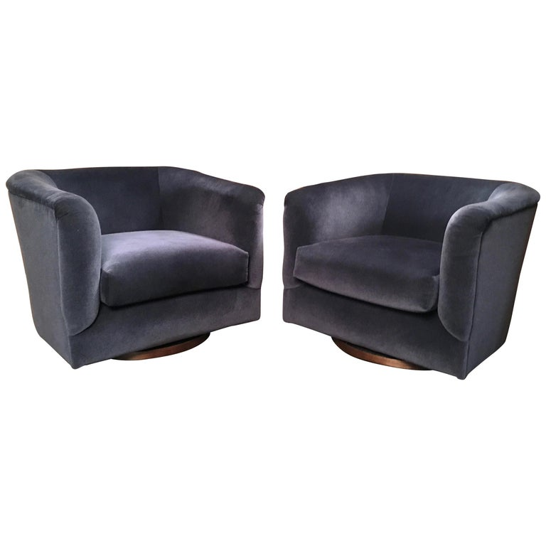 Pair of 1970s Swivel Club Chairs For Sale