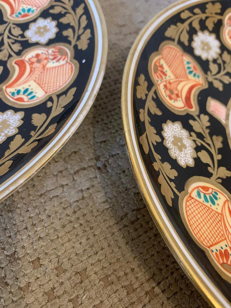 Pair of 19th-20th Century English Porcelain Dinner Plates, Unmarked For Sale 6