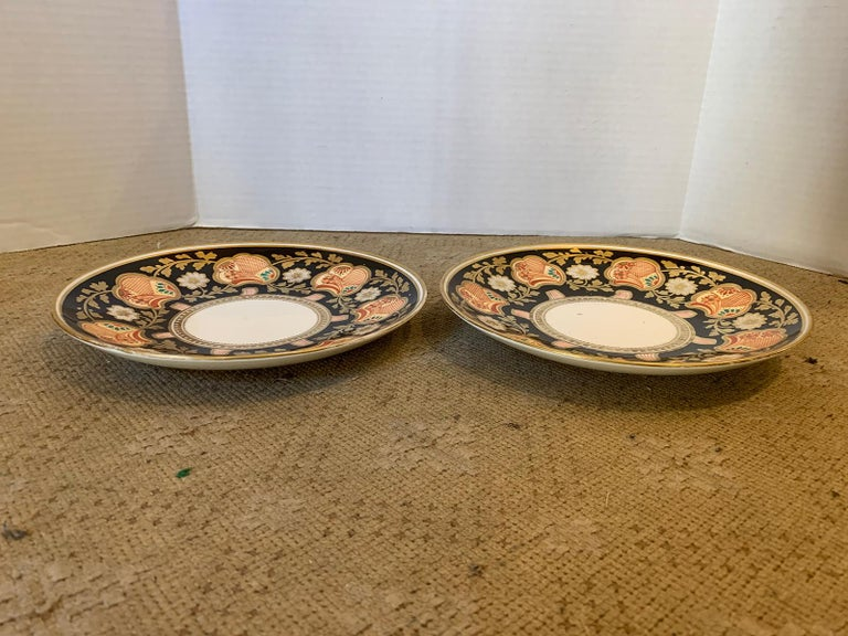 19th Century Pair of 19th-20th Century English Porcelain Dinner Plates, Unmarked For Sale