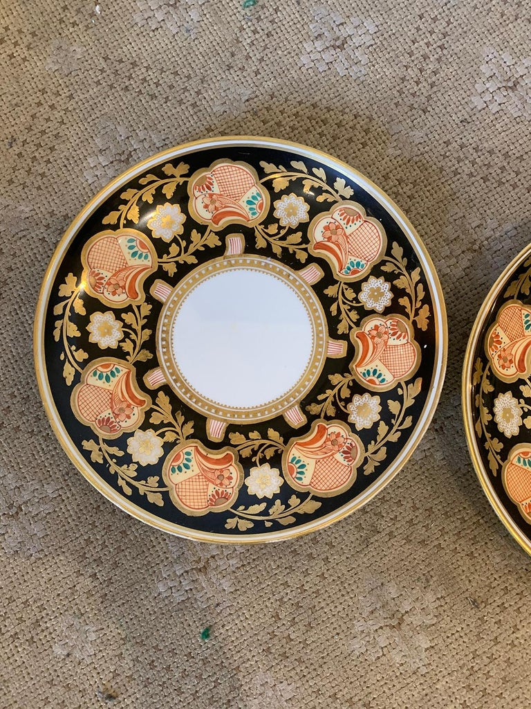 Pair of 19th-20th Century English Porcelain Dinner Plates, Unmarked For Sale 2