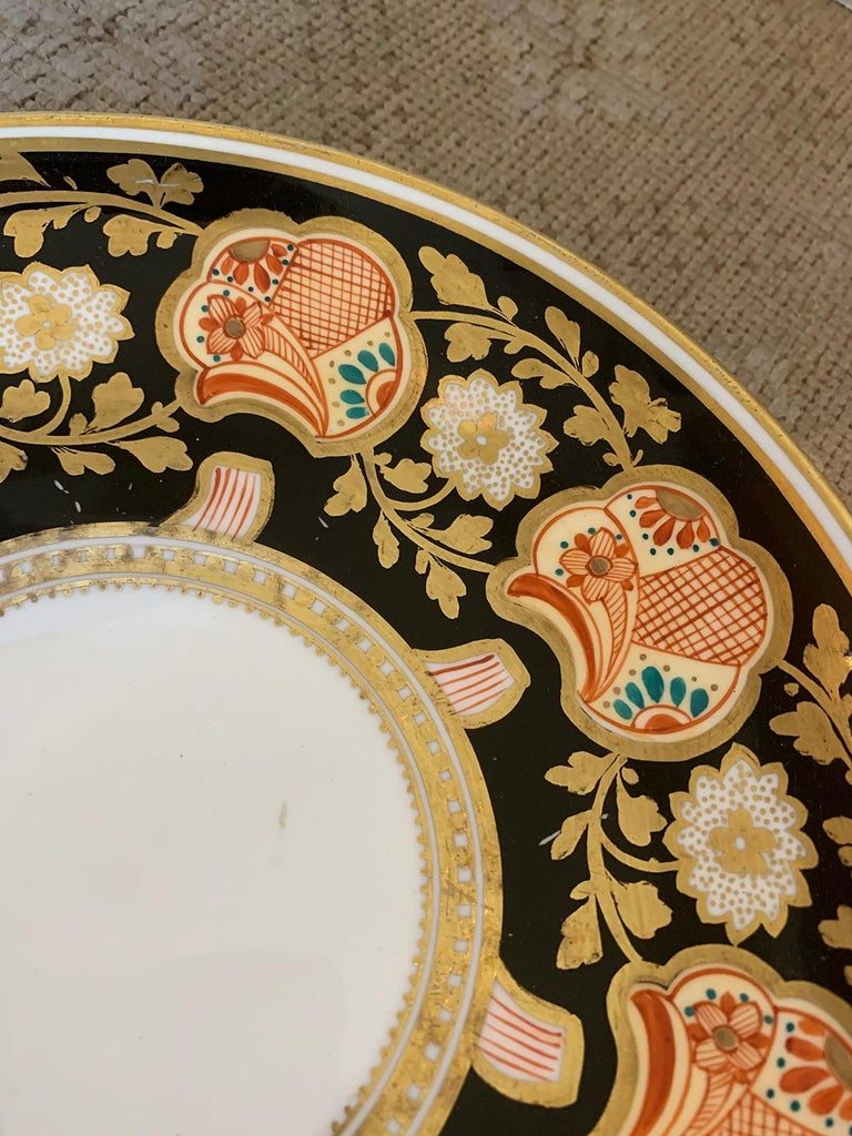 Pair of 19th-20th Century English Porcelain Dinner Plates, Unmarked For Sale 3