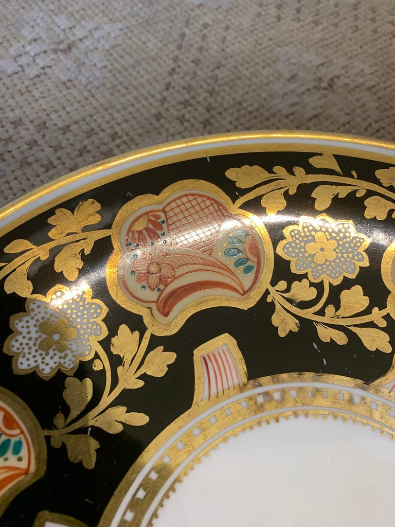Pair of 19th-20th Century English Porcelain Dinner Plates, Unmarked For Sale 5